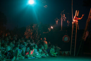 """""""Plus Haut"""" spectacle of Barolosolo, circus group from France"""